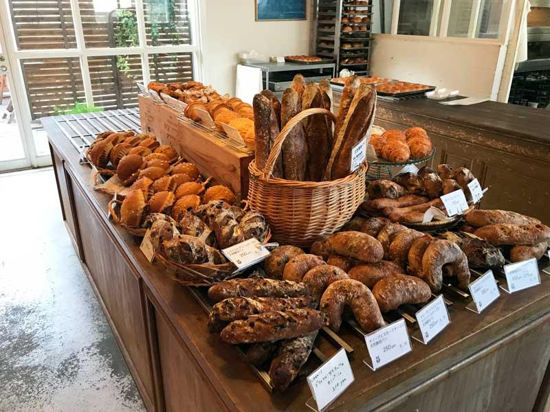 ベーカリータツヤ、パン屋